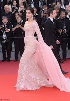 Sonam Kapoor looks stunning in Cannes 2017 021.jpg
