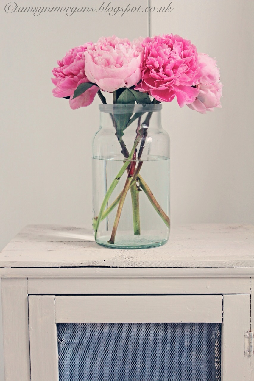 Rustic furniture and peonies…