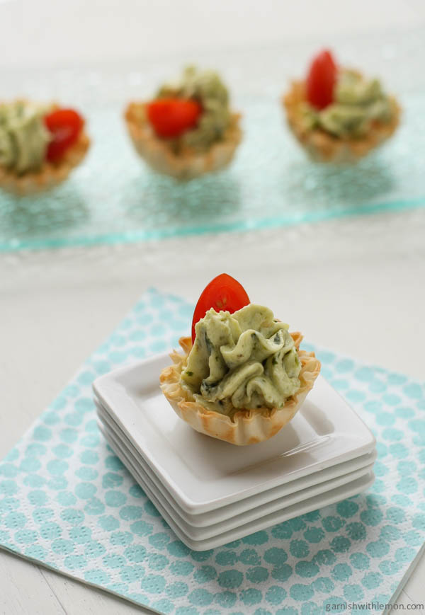 these adorable and tasty pesto bites are fresh and will disappear off the plate in no time
