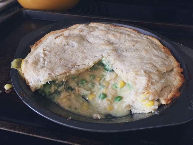 Super Easy Homemade Chicken Pot Pie // www.thejoyblog.net