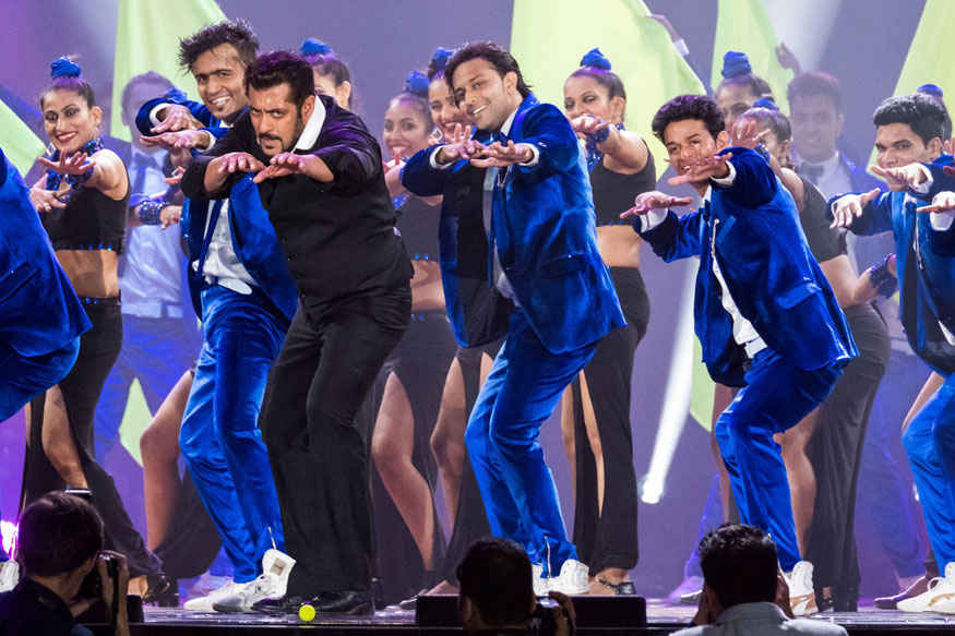 Salman Khan Performs at 2017 IIFA Awards at MetLife Stadium on Sunday