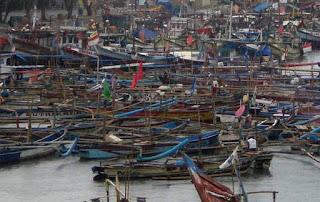 Lagi..!! Ribuan Nelayan Indramayu Tak Bisa Melaut