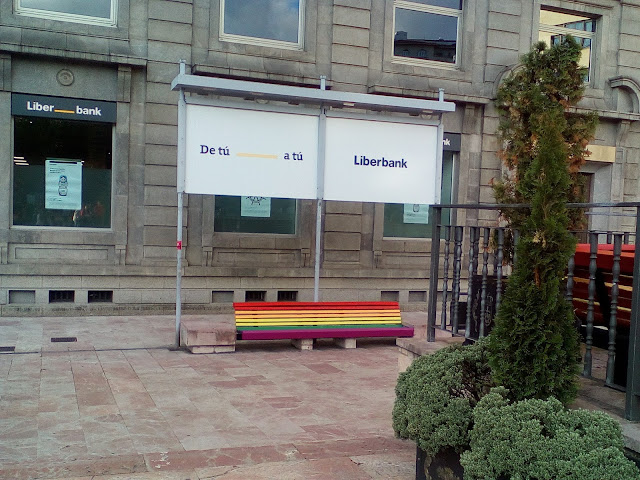 banco-orgullo-gay-oviedo