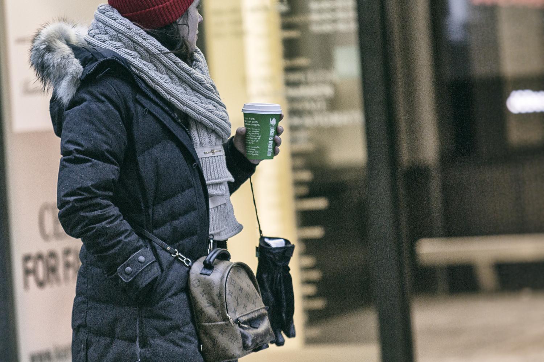 katukuvaus, katuvalokuva, streetphoto, streetphotography, Helsinki, Suomi, Finland, city, big city, capital, valokuvaaja, Frida Steiner, Visualaddict, talvi, winter, snow, streets, people