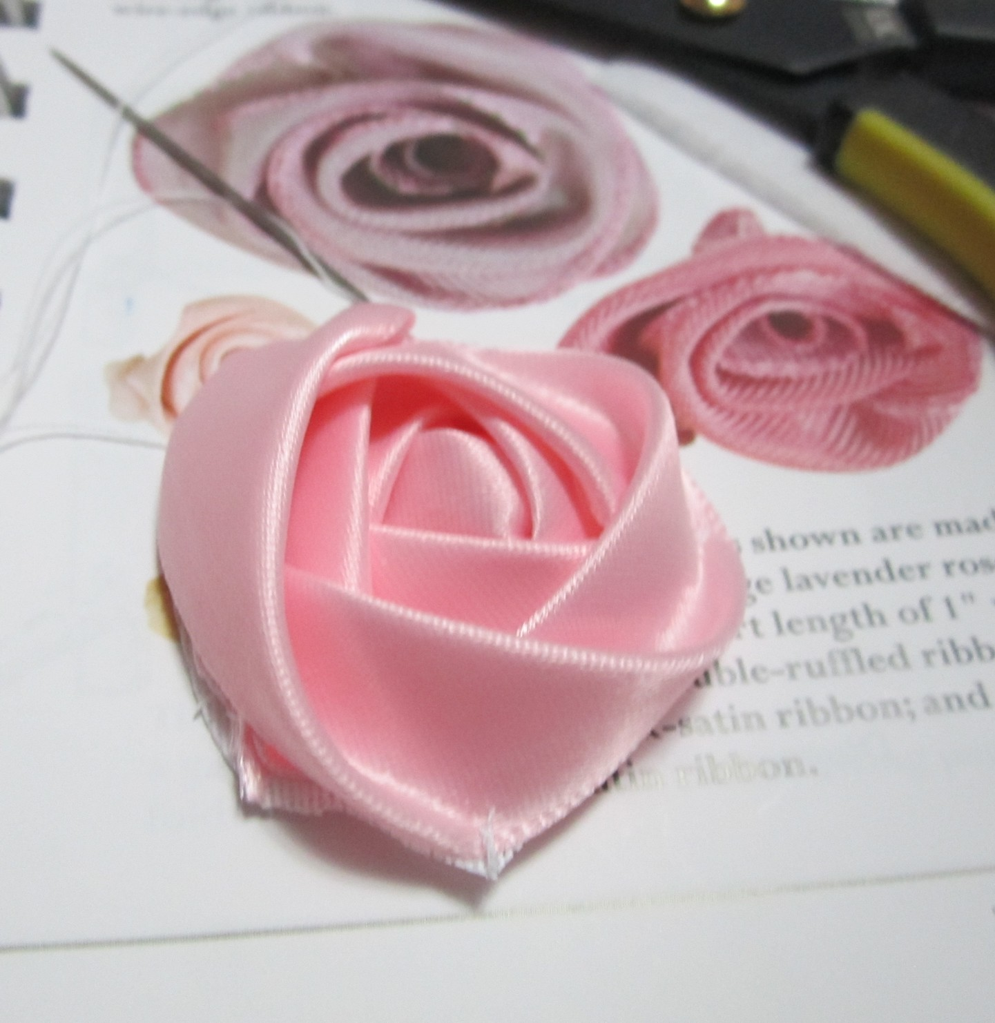 Ravings Of A Mad Crafter How To Make A Flat Ribbon Rose