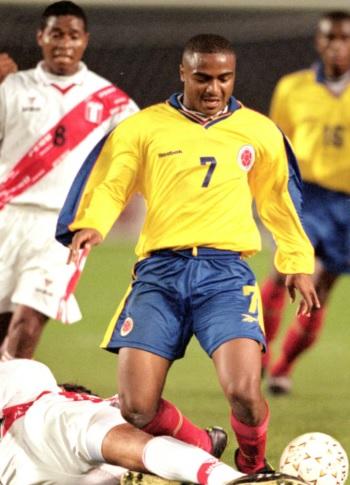 Foto de Héctor Hurtado jugando en el estadio
