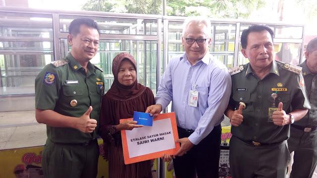 Pemkot Prabumulih Berikan Bantuan 300 Buah Etalase Dan Gerobak Kepada Pedagang Usaha Kecil