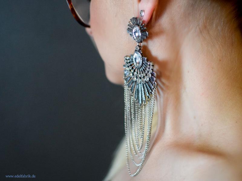 Große Ohrringe zu Silvester