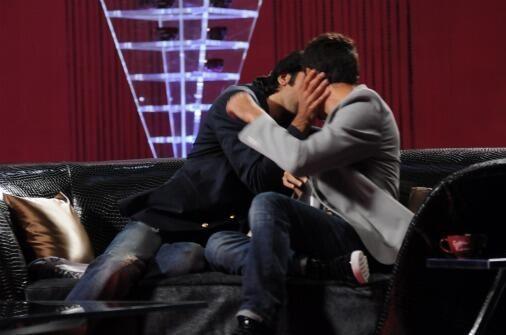 Imaran Khan and Ranbir Kapoor Kissing in Public