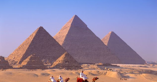 How were egyptians built the pyramids?