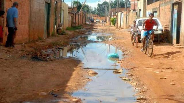 Quase metade da população baiana vive abaixo da linha da pobreza, diz IBGE