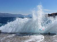 Bura, Postira slike otok Brač Online