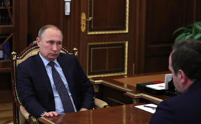Putin at the meeting with Minister of Natural Resources and Environment Sergei Donskoy.