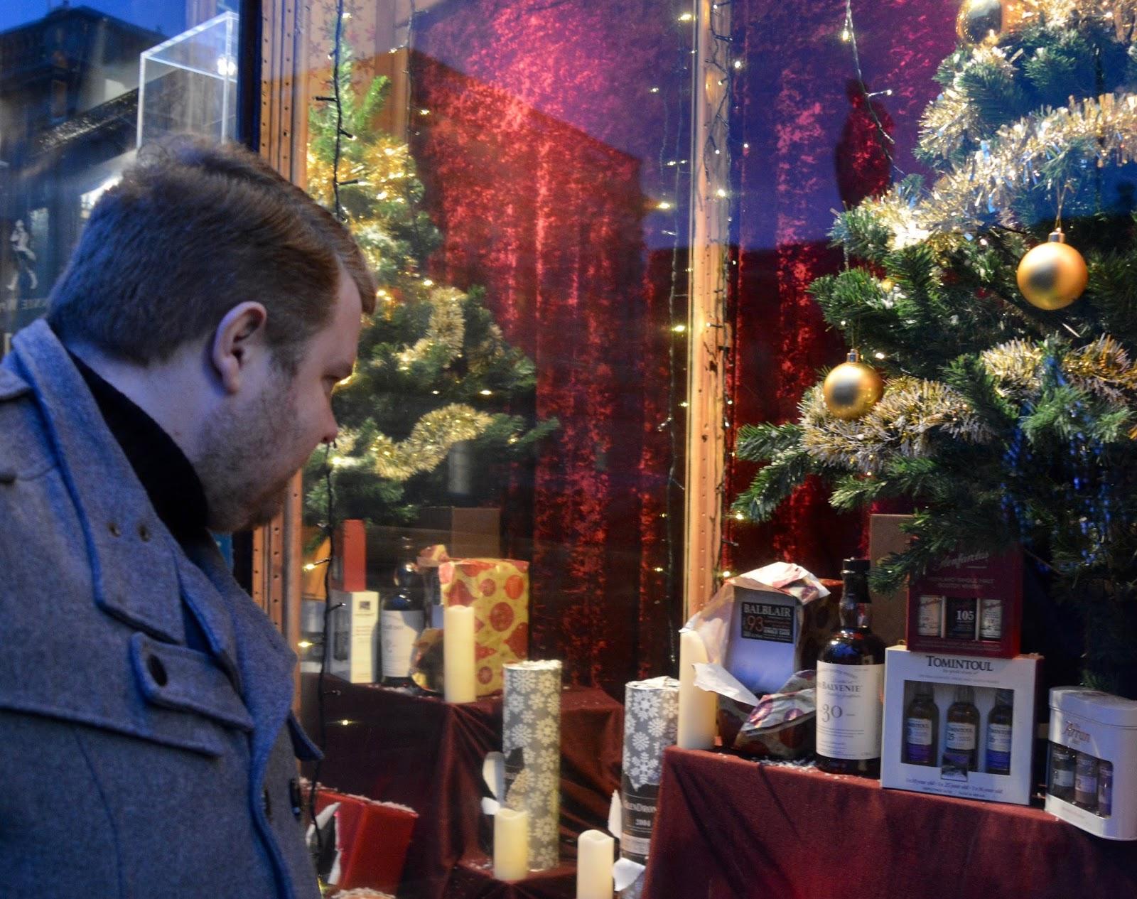 10 Reasons to Visit Edinburgh in December - whisky shop