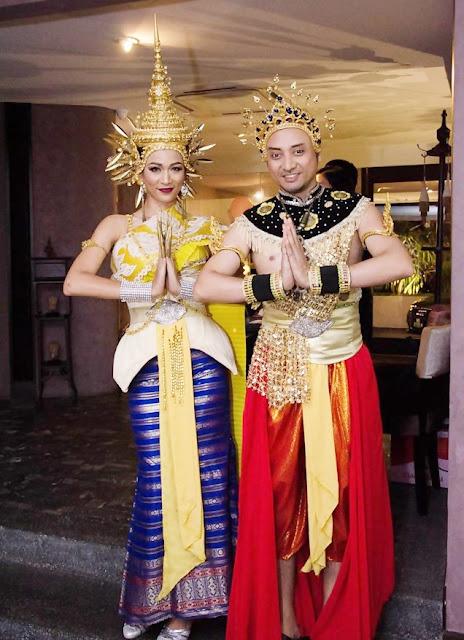 Greetings From Thai Dancers