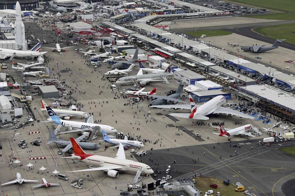"""Résultat de recherche d'images pour """"2017, Bourget paris air show, new aircrafts, 2017"""""""