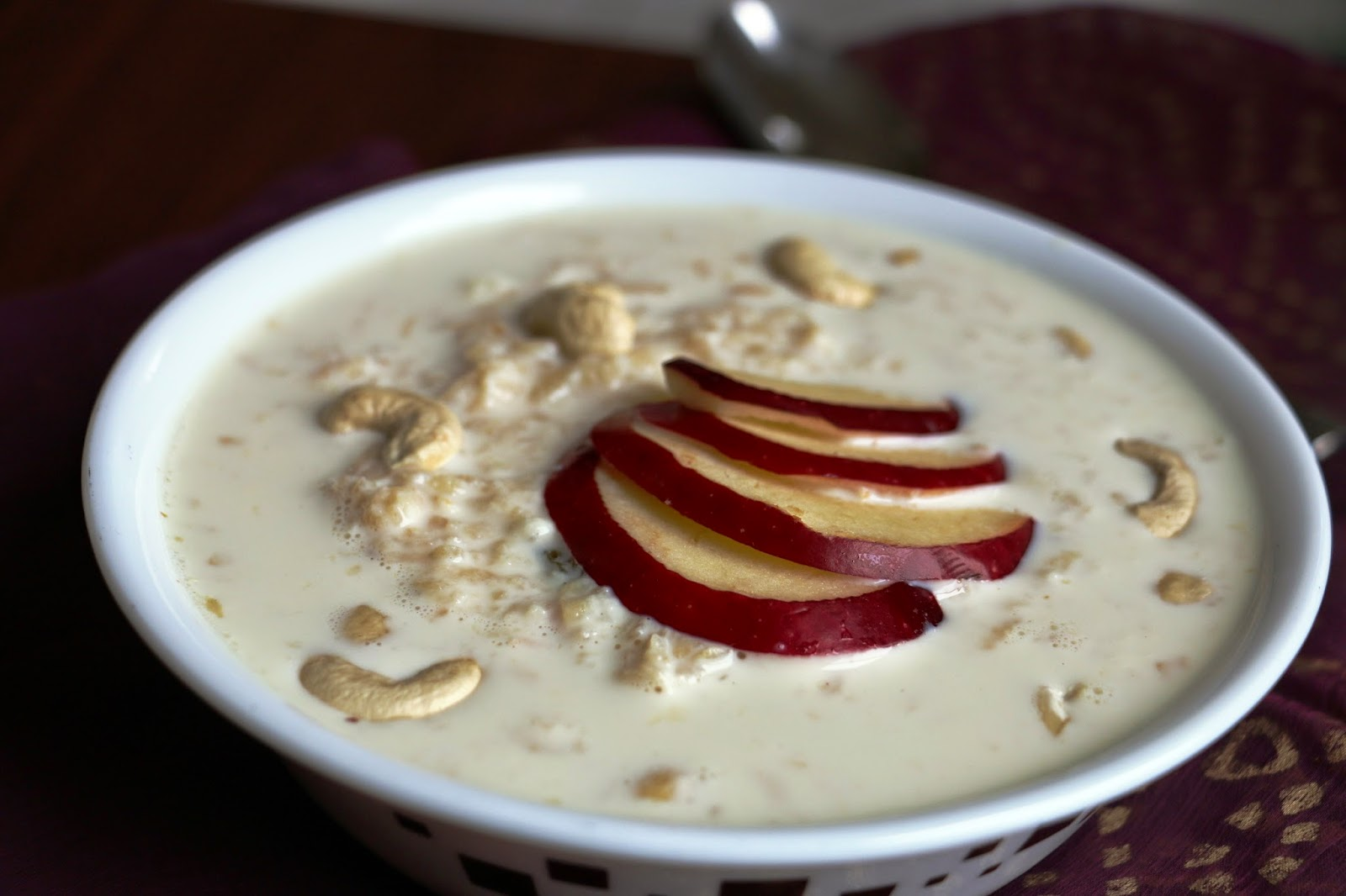 Apple rabri the most popular low-calorie Indian desserts