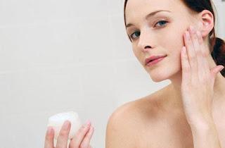 Cách dưỡng da bằng mỹ phẩm
