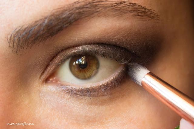 Universal evening make-up: step 9