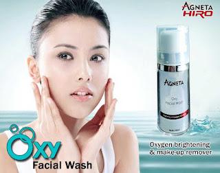 BPOM NA 18161204776 SERTIFIKAT MUI Dalam Proses  AGNETA OXY FACIAL WASH (Oxygen Brightening & Make-Up Remover)  sejenis pembersih wajah yang mampu membersih pori-pori dan mendetoxs kulit, malah mampu membuang kotoran di pori. Alamilah tindak oksigen yang membersihkan wajah sambil memberikan kulit dengan oksigen yang penting, menjadikan kulit rasa amat segar dan bersih.