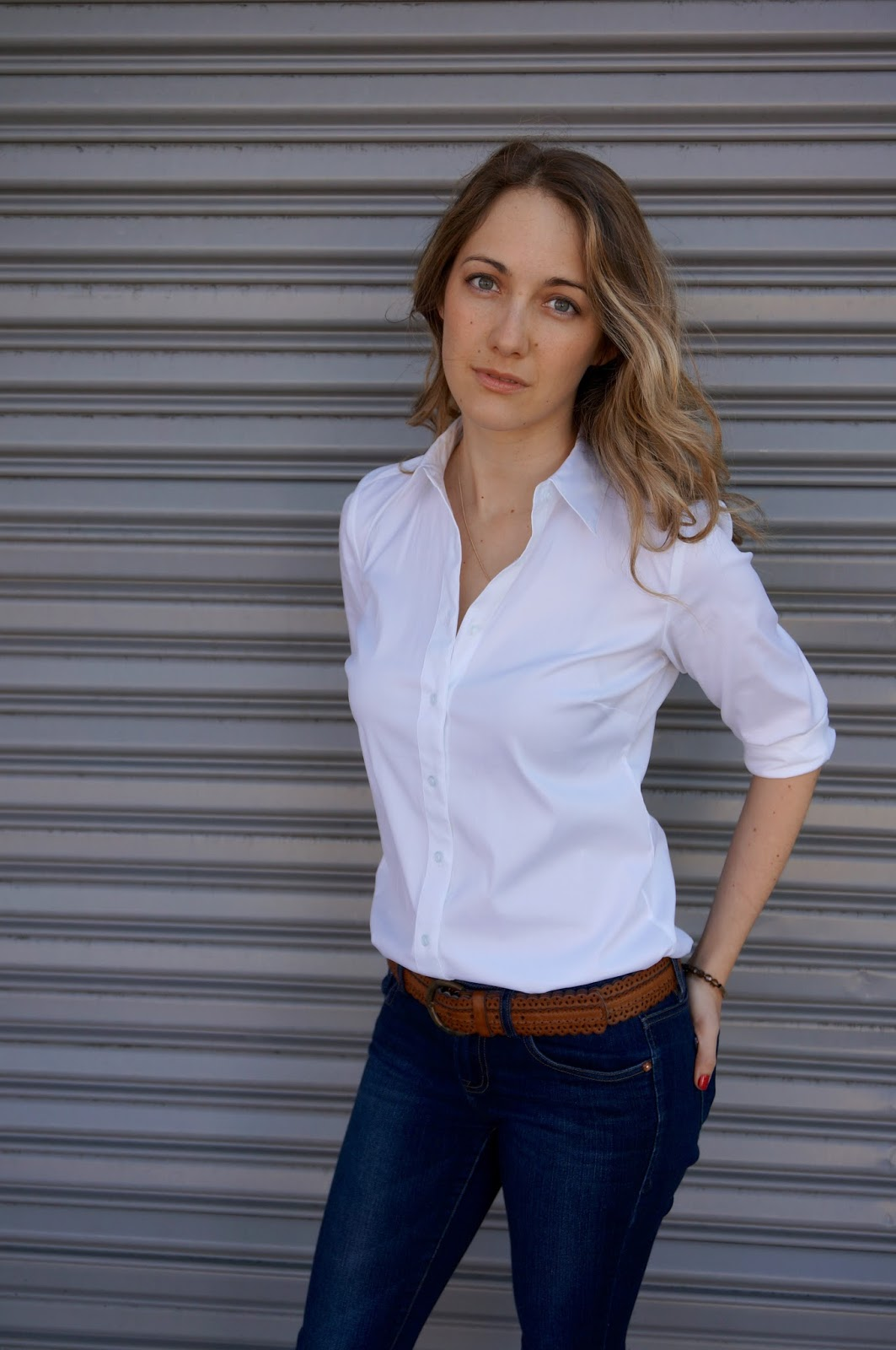 The Perfect White Button Down Blouse - www.greysuede.com