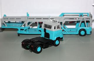 tomica limited vintage hino transporter trailer