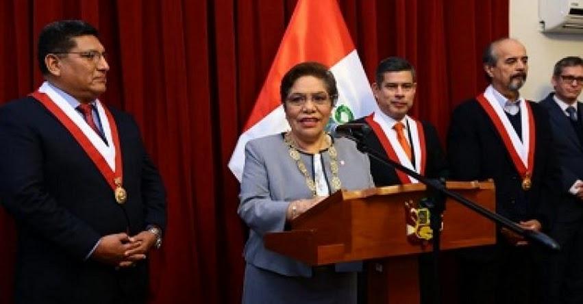 Congresista fujimorista Luz Salgado es condecorada con la Medalla de Honor en el Grado de Gran Cruz del Congreso de la República - www.congreso.gob.pe