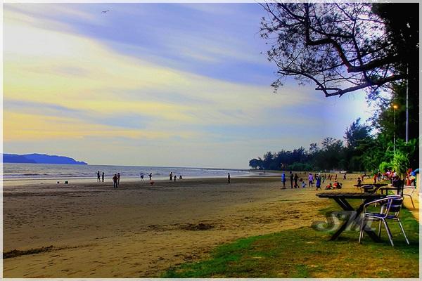 Beach Garden Cafe Pantai Bersih