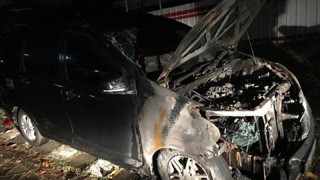 Raksasa Otomotif Tanggapi Terbakarnya Mobil Neno Warisman