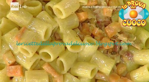 Mezze maniche con zucca croccante speck e curry ricetta Persegani da Prova del Cuoco