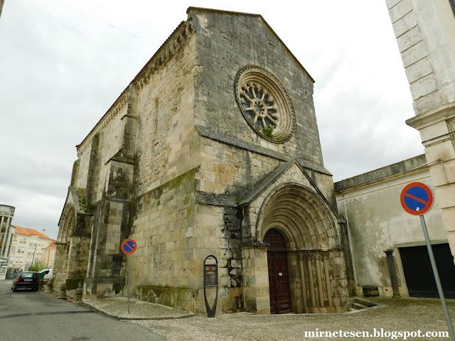 Сантарен - церковь Сан-Жоау-ди-Алпоран, уникальный пример сочетания романского стиля и готики