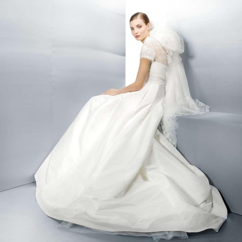 Mooiste Bruidsjurken.Bruid In Stijl By Jesus Peiro 2013 De Mooiste Bruidsjurken Uit De
