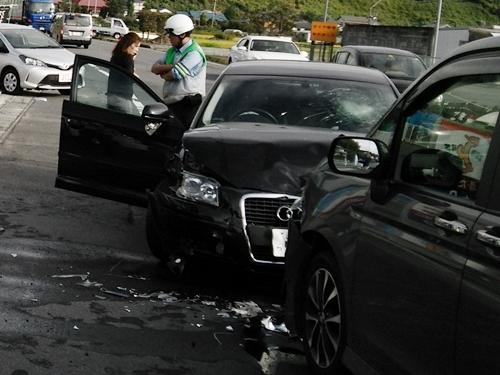 私の運転不注意で交通事故を起こしてしまいました