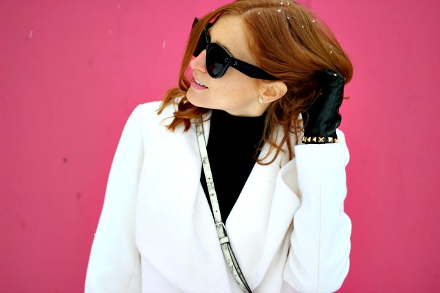 Black white outfit inspiration; marble bag, celine sunglasses