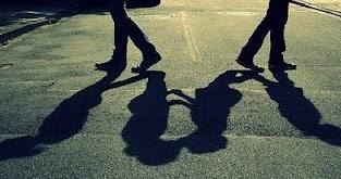 30 Kata Kata Cinta Tak Direstui Keluarga Menyayat Hati
