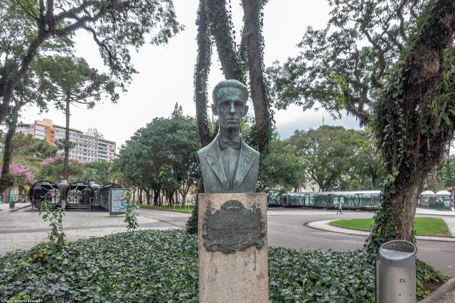 Busto do Professor Alfredo Parodi na Praça Rui Barbosa