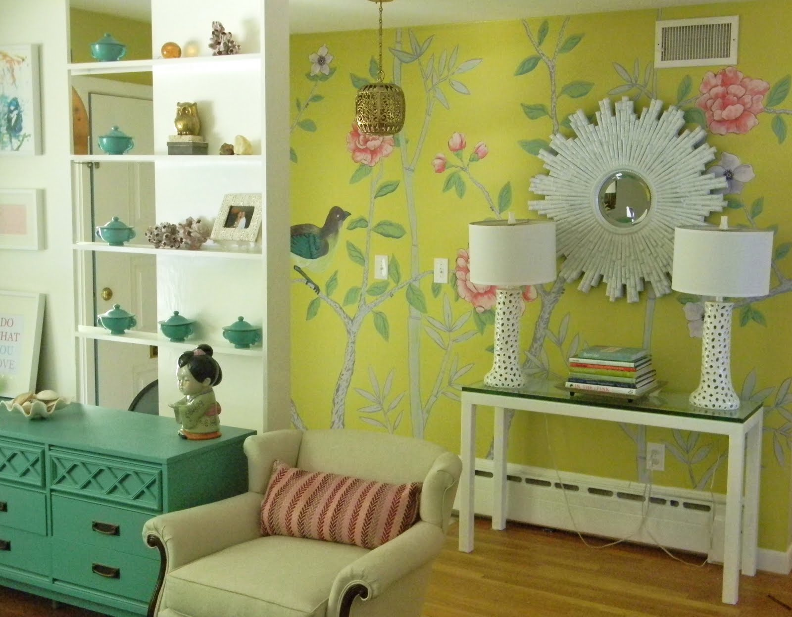 GORGEOUS SHINY THINGS: Big mural wall is DONE, here is how...