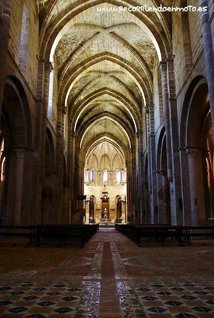 Interior iglesia Abacial monasterio de Veruela