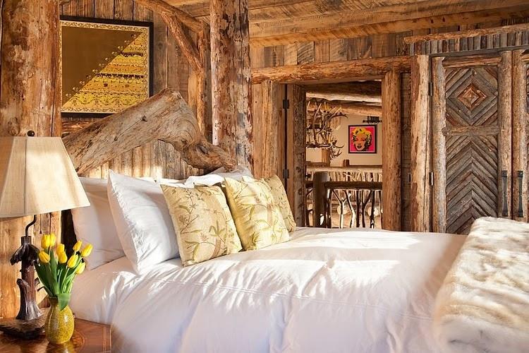 Niesamowity dom z bali w Montanie, wystrój wnętrz, wnętrza, urządzanie domu, dekoracje wnętrz, aranżacja wnętrz, inspiracje wnętrz,interior design , dom i wnętrze, aranżacja mieszkania, modne wnętrza, styl klasyczny, styl rustykalny, dom drewniany, chata w górach, sypialnia