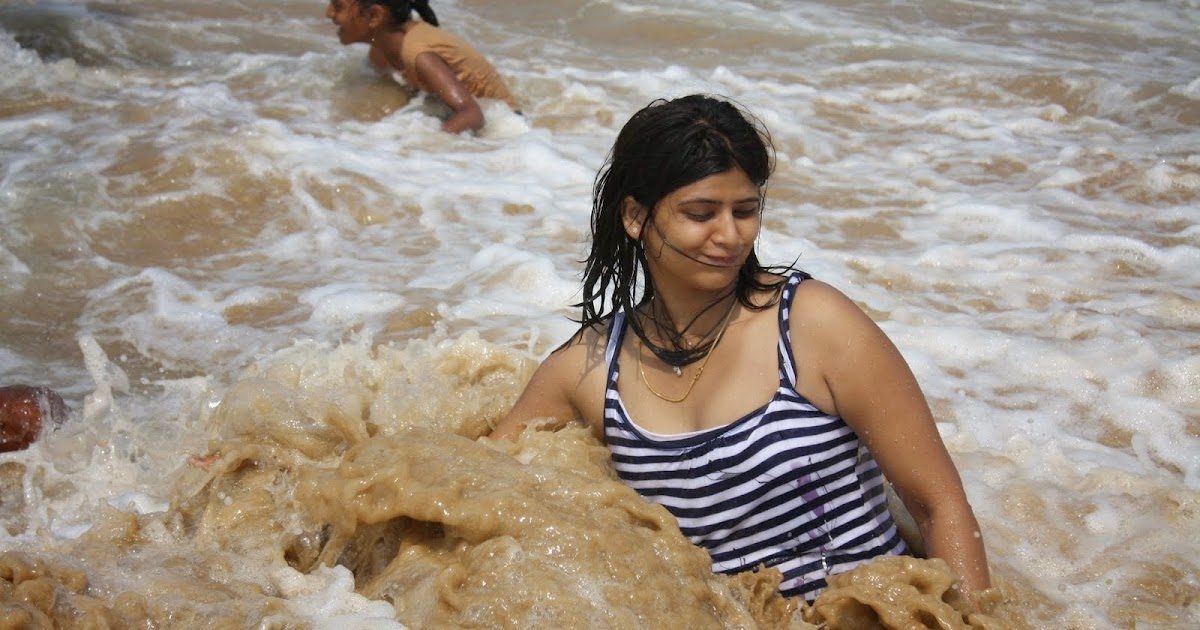 Desi Girls Bathing Hot Pictures Free Download - Beautiful ... on Bathroom Models  id=46546