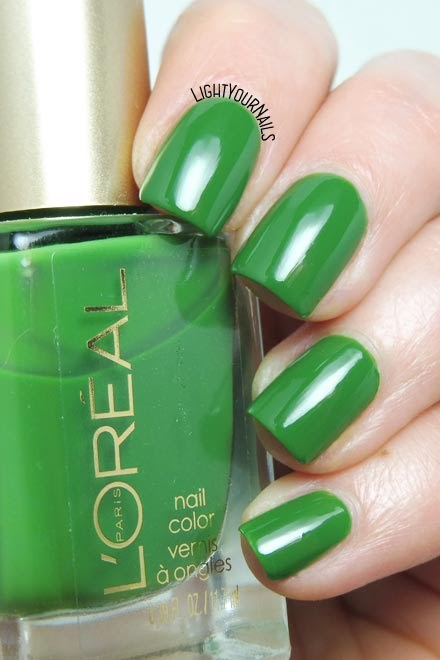 Smalto verde lacca L'Oreal Hyde Park green creme nail polish #nails #loreal #lightyournails