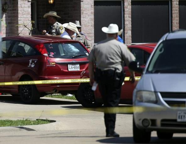 Cinco muertos y un herido en un tiroteo en una casa en Texas