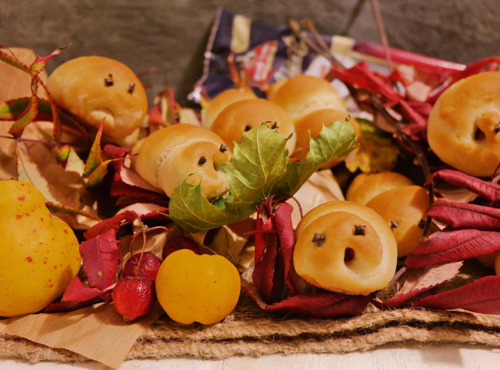 Ślimaki z ciasta drożdżowego i kabanosów