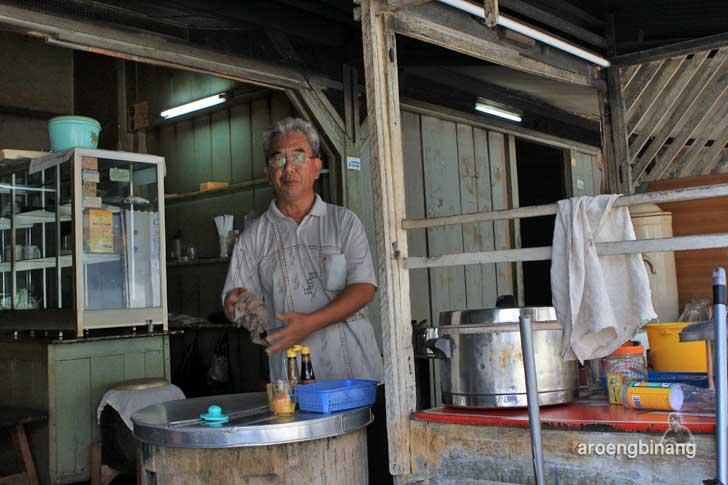 warung kopi ake tanjung pandan belitung