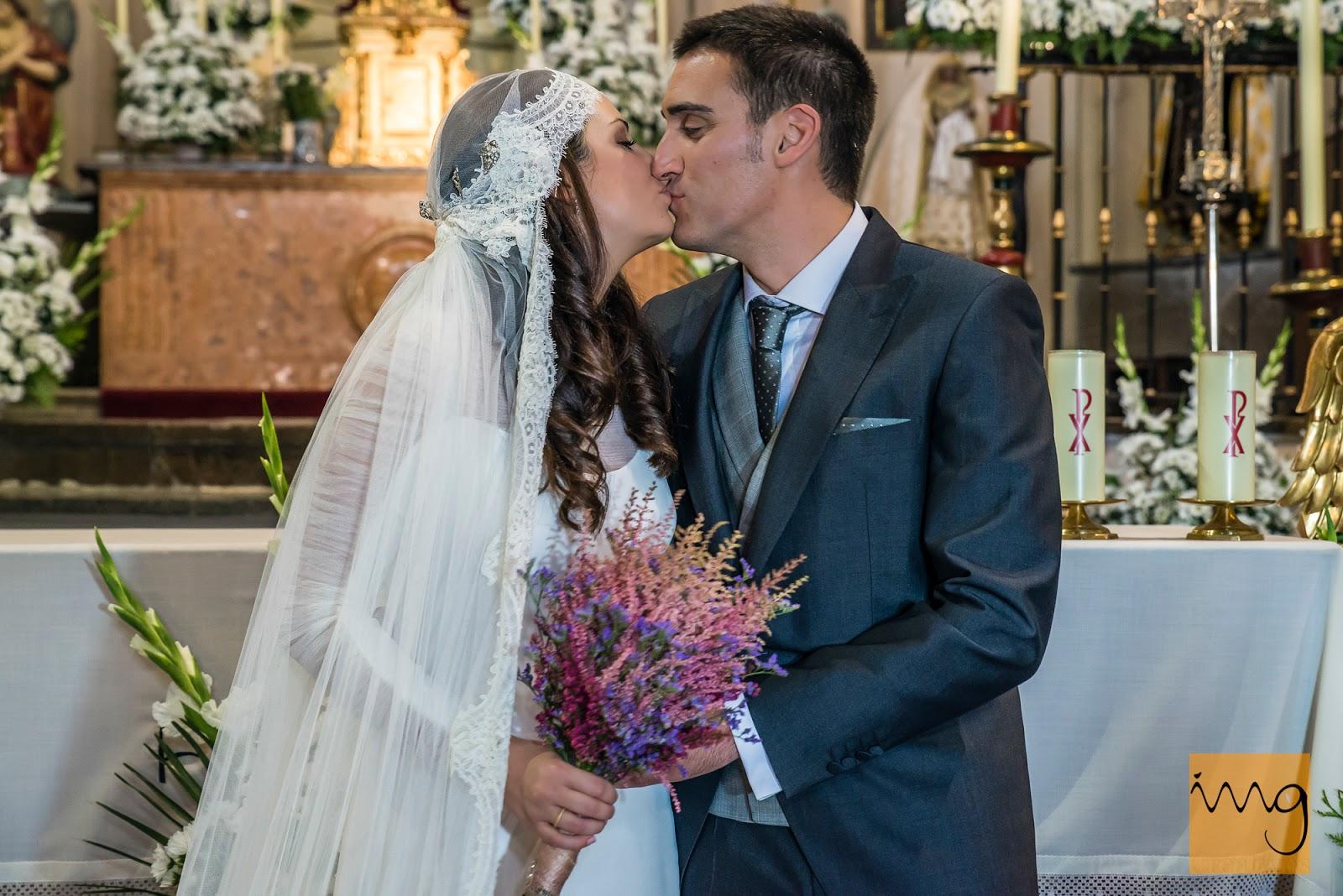 Fotografía de boda en Granada, el beso