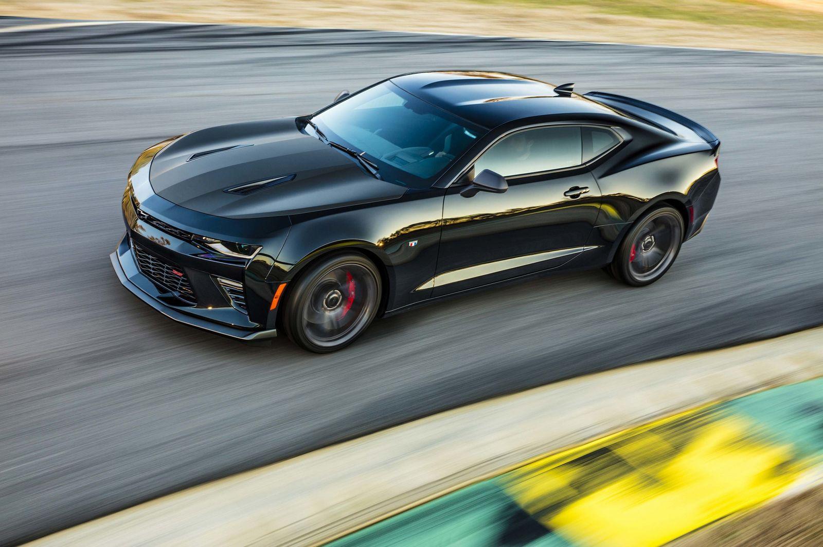 Chevrolet Camaro 1LE có vượt được Ford Mustang GT350?