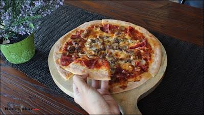 Pizza meat lover Dago Bakery Punclut