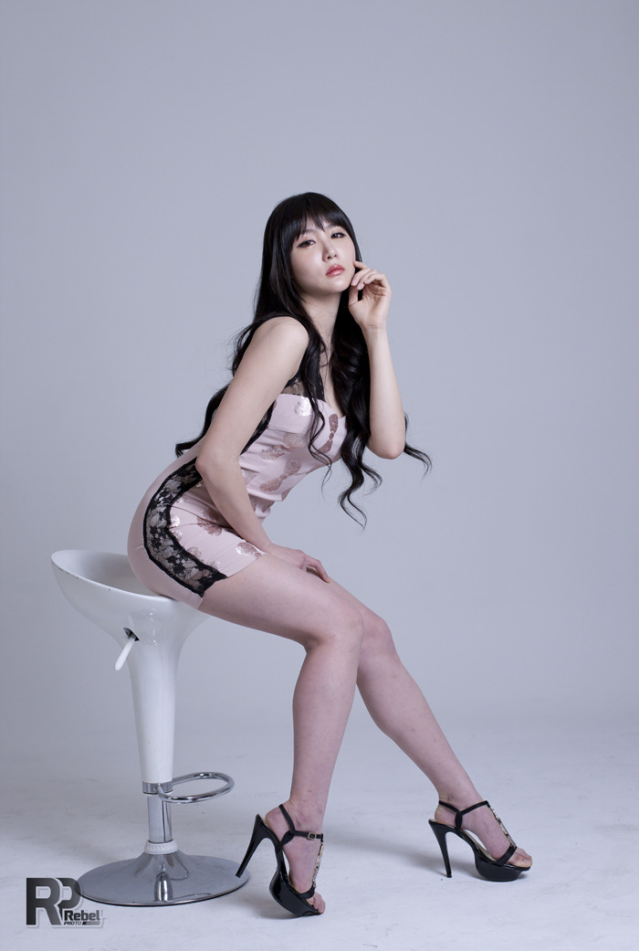 xxx nude girls: Yeon Da Bin in Pink