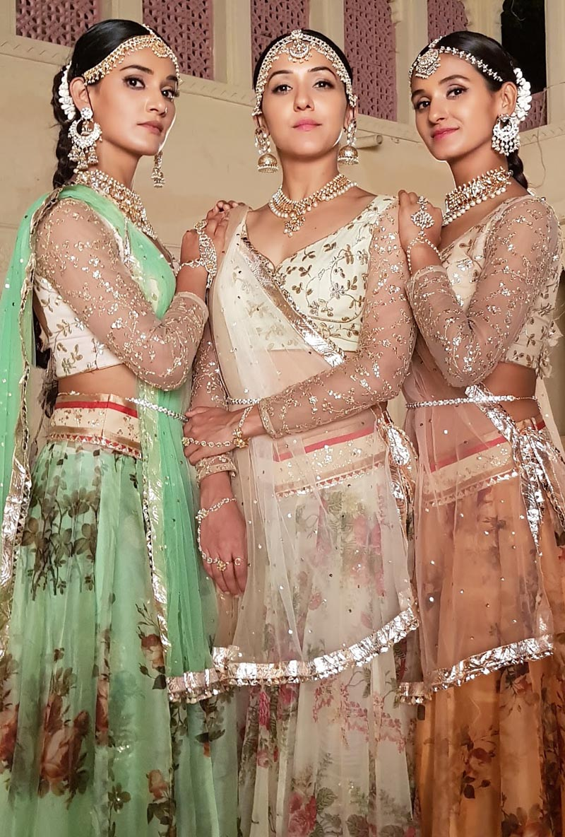 Neeti Mohan with her sisters Shakti and Mukti in Kanha Re Poster