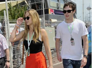 The flame is rekindled between Jennifer Lawrence and Nicholas Hoult!